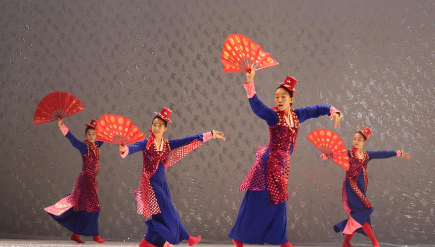 North Korea Dance © J.-M. Chabot